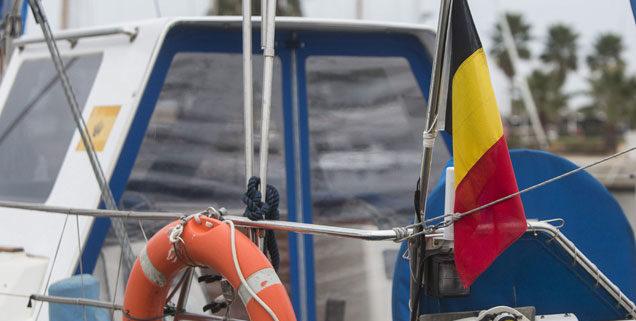 bandera belga barco